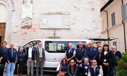 Nocera Umbra, donato un furgone al C.V.S per trasporto malati e disabili