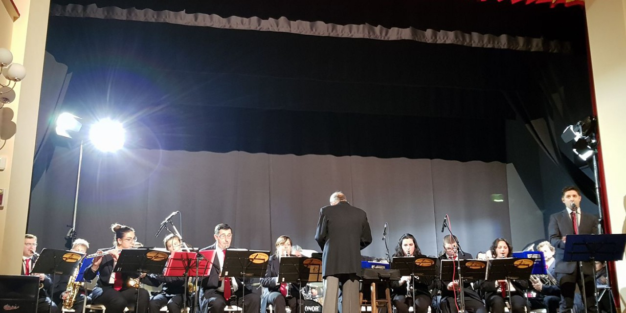 """Banda Musicale """"Città di Gualdo Tadino"""", concerto di inizio anno con le nuove divise"""