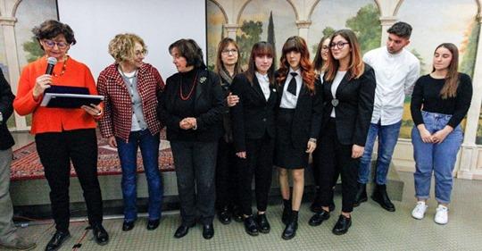 """Vincono anche il Premio """"Storie di alternanza"""" i ragazzi dell'Istituto Alberghiero di Assisi, già vincitori del progetto Green Jobs"""